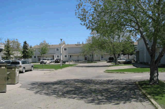 Red Deer, Half Duplex, 3 bedroom & garage